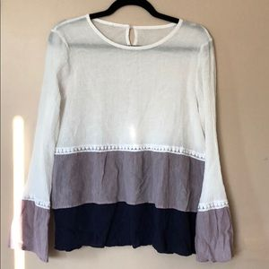 BoBo chic top with long sleeves flared